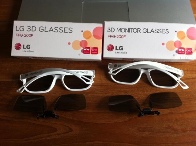 Picture of LG Cinema 3D glasses (real-D orientation) vs LG 3D monitor glasses (zalman orientation)